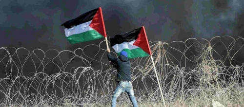 Palestinian refugees pledge to return home with non-violent marches